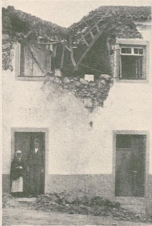 Casa do Sr. Francisco do Rego atingida por uma das granadas do submario em 4 de Julho de 1917, Ilustração Portuguesa n.º 600